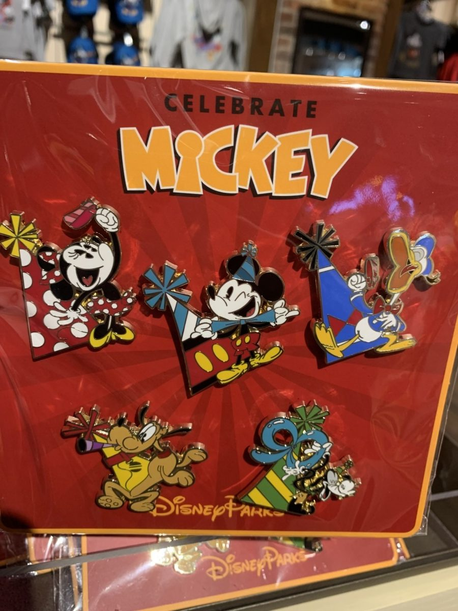 The newest Mickey's 90th merchandise out now! 17
