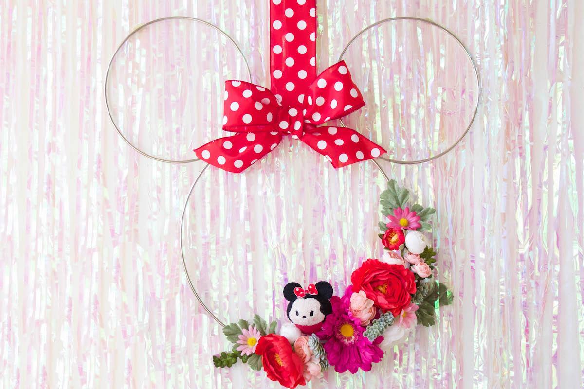 DIY Minnie Floral Wreath 7