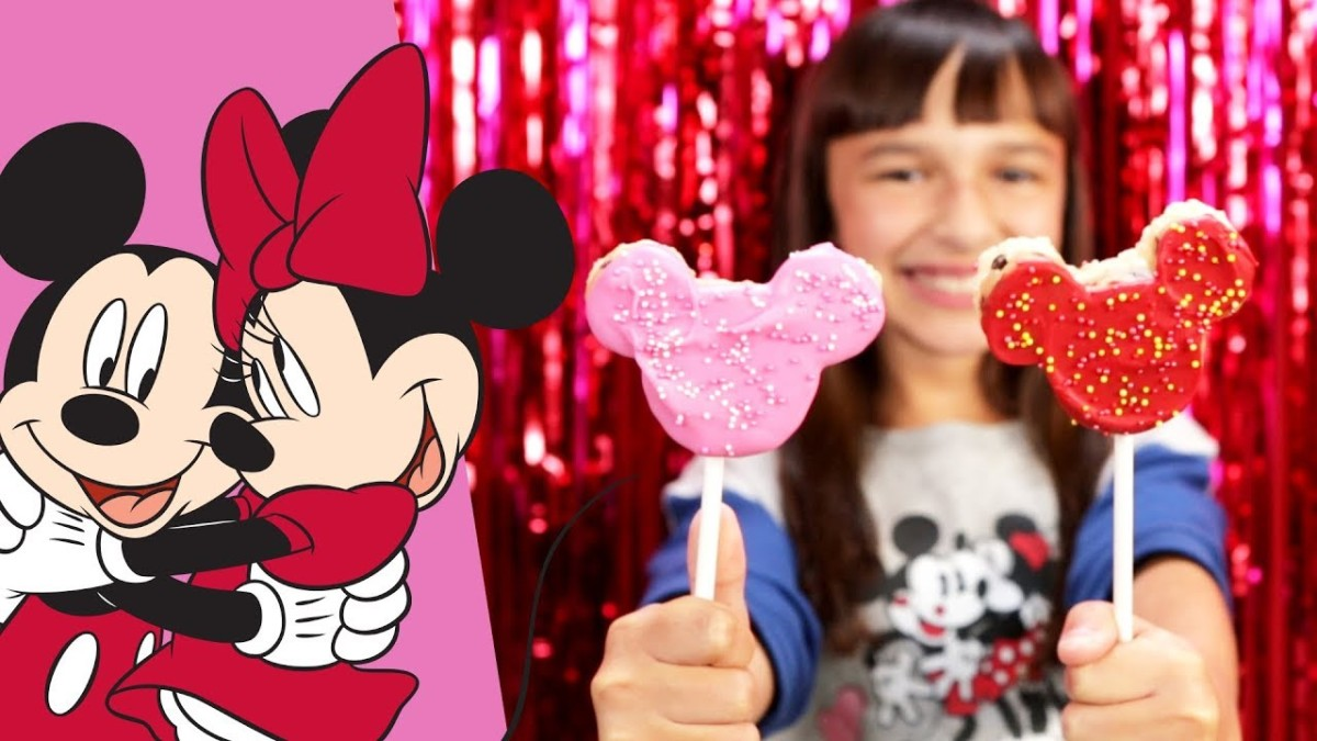 Mickey & Minnie Cookie Dough Crispy Valentine's Day Pops 2