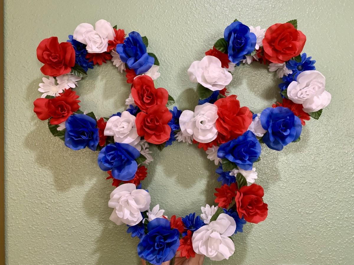 DIY Mickey Wreath 5