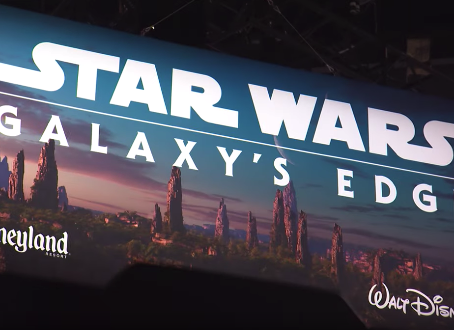 VIDEO: Star Wars: Galaxy's Edge Booth Debuts at Star Wars Celebration Chicago 1