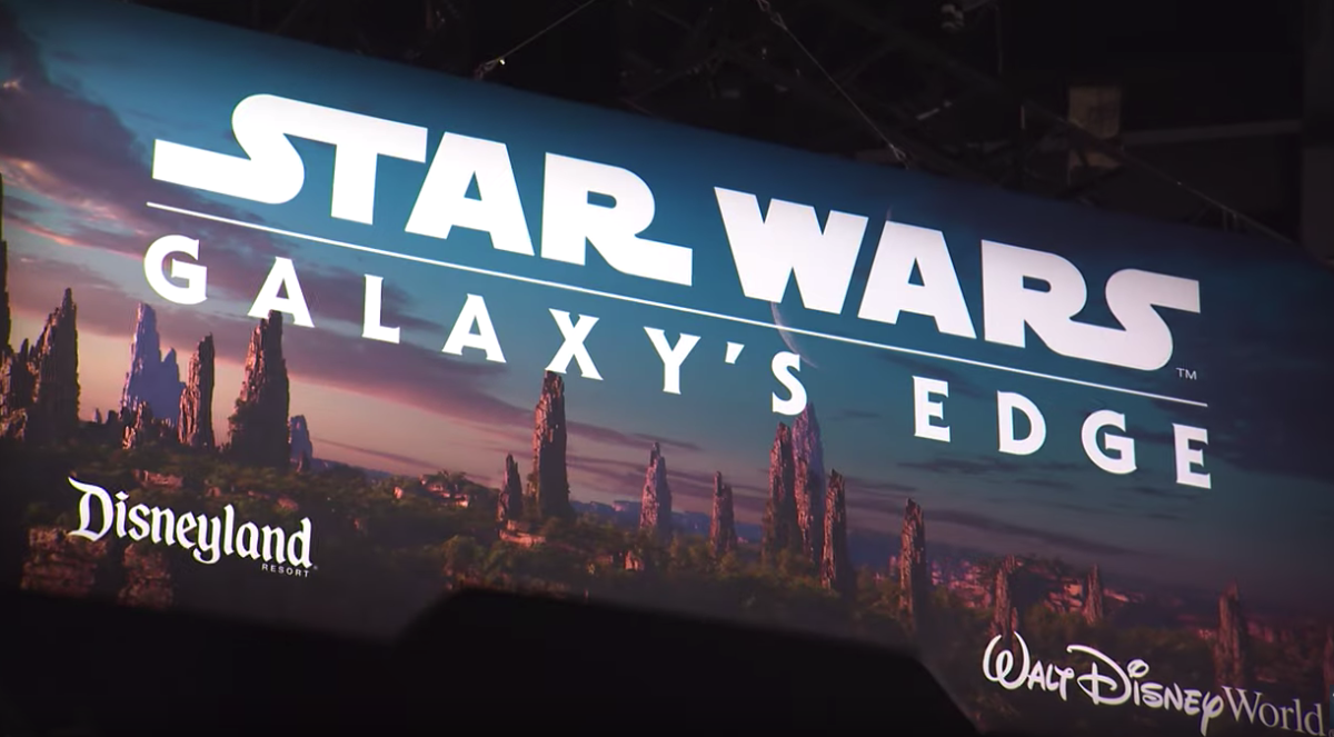VIDEO: Star Wars: Galaxy's Edge Booth Debuts at Star Wars Celebration Chicago 3