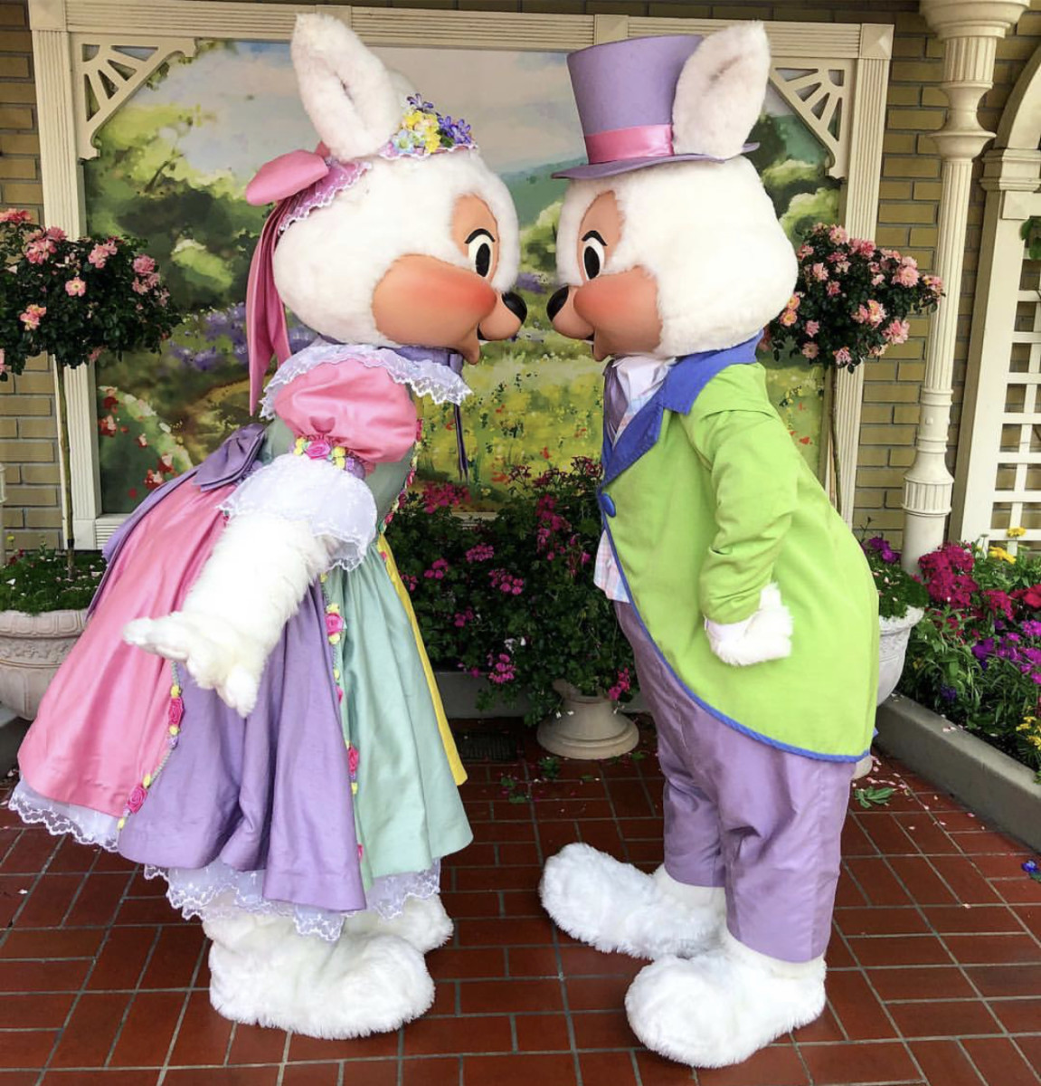 Mr. and Mrs. Easter Bunny appear at Magic Kingdom just in time for Easter 2