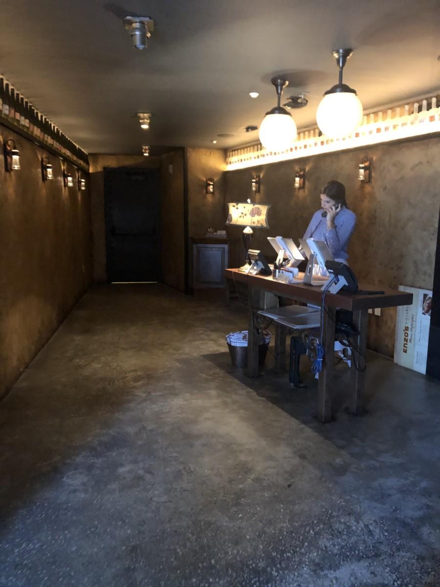 Enzo's Hideaway & Tunnel Bar, #DisneySprings 5