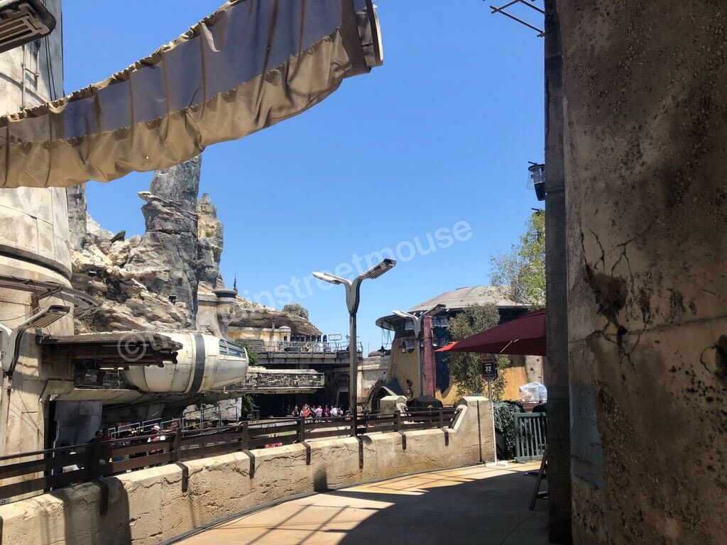 Your First Look at Star Wars: Galaxy's Edge #disneyland #galaxysedge 4