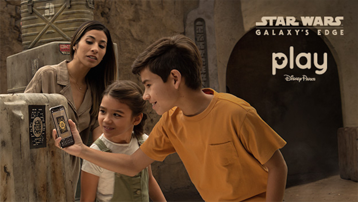 Building Batuu: Explore Black Spire Outpost with Your Star Wars: Datapad through the Play Disney Parks App 5