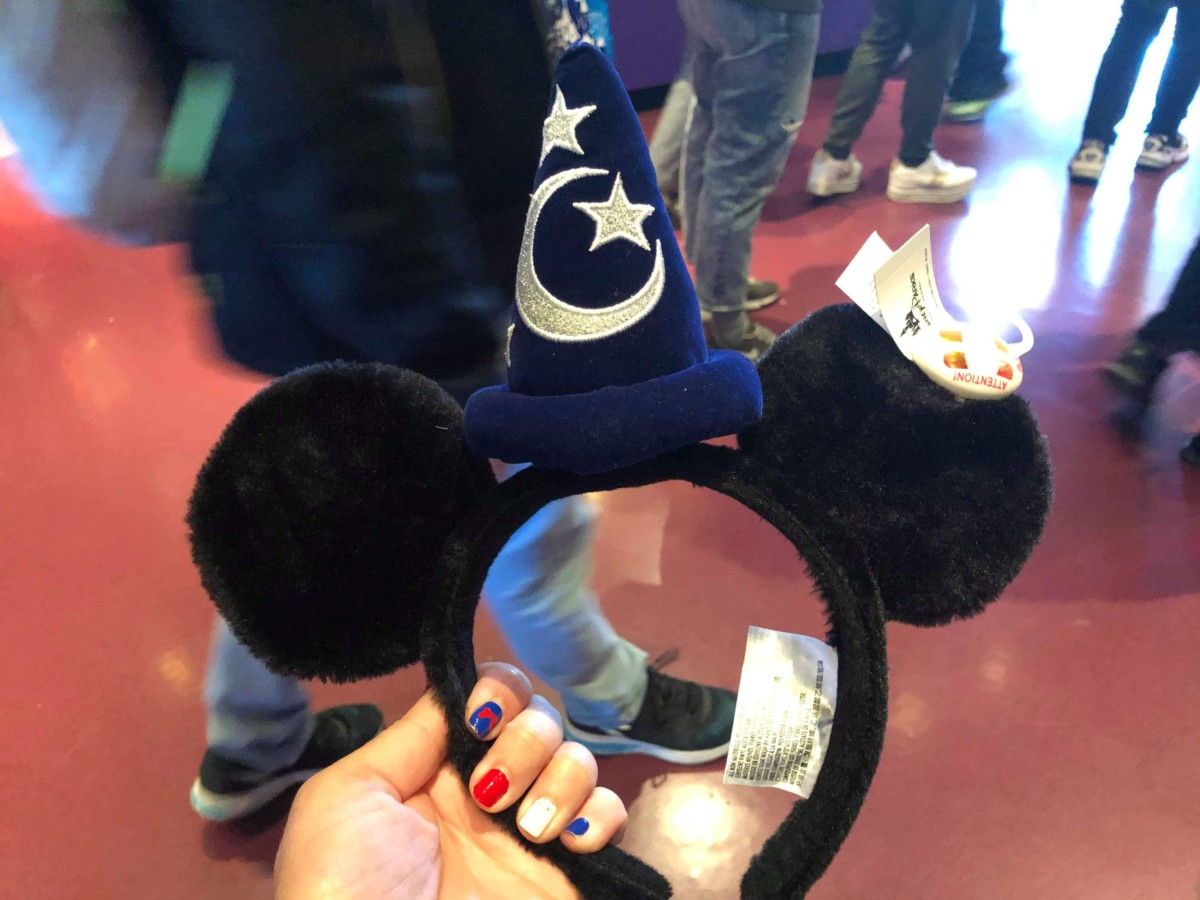 See the Various Magical Mouse Ears at Disneyland Paris! 8