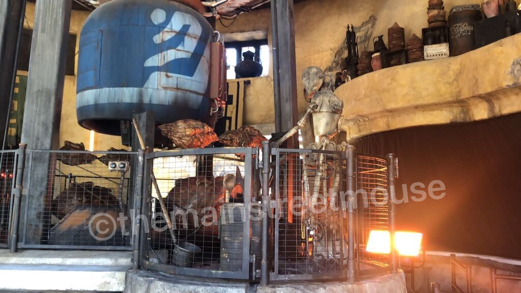 Your First Look at Star Wars: Galaxy's Edge #disneyland #galaxysedge 6