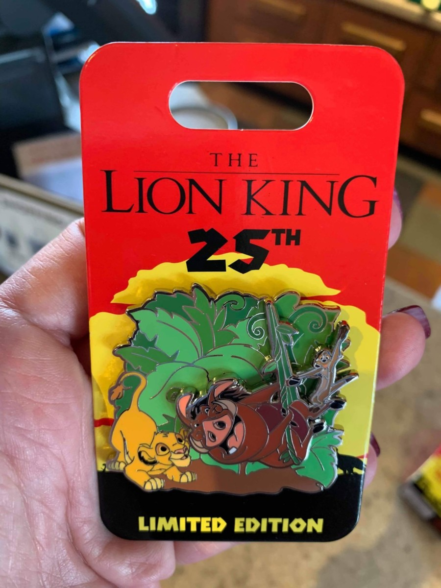 New 25th Anniversary Lion King Pins 4
