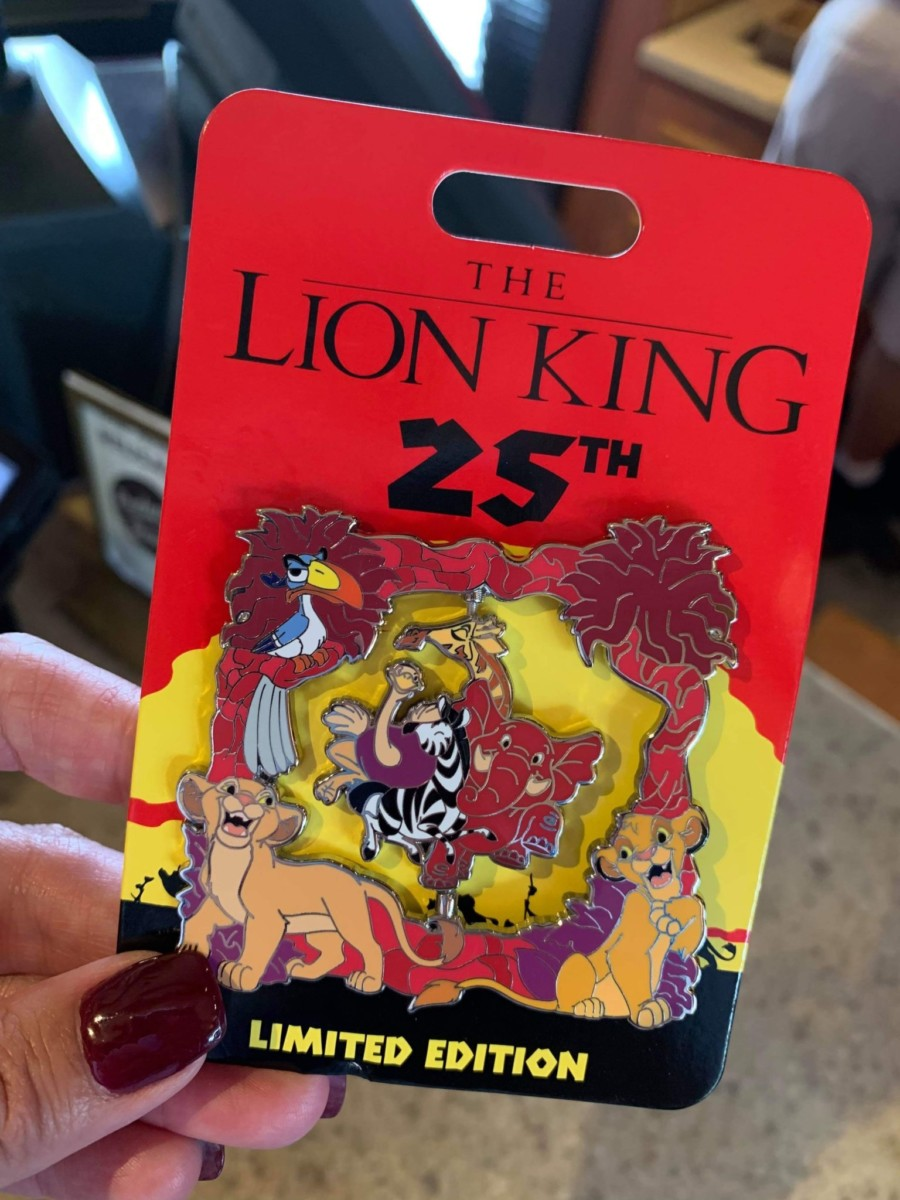 New 25th Anniversary Lion King Pins 2