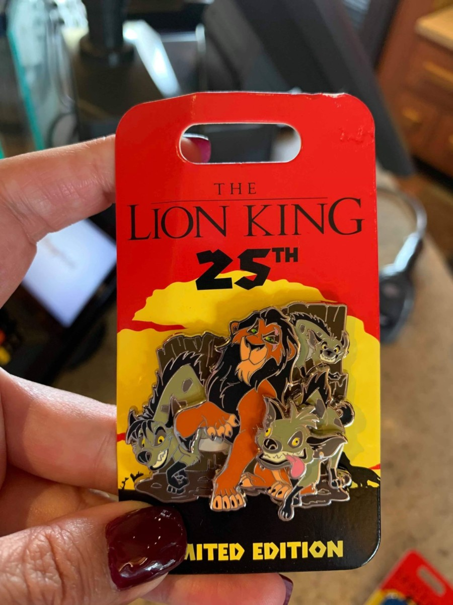 New 25th Anniversary Lion King Pins 1