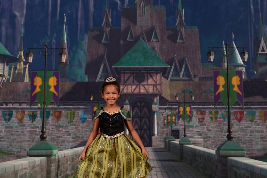 Top 10 Virtual Backdrops at the Disney PhotoPass Studio at Disney Springs 8