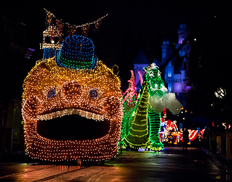 Summer Shines Even Brighter at Disneyland Resort with Return of Main Street Electrical Parade 1