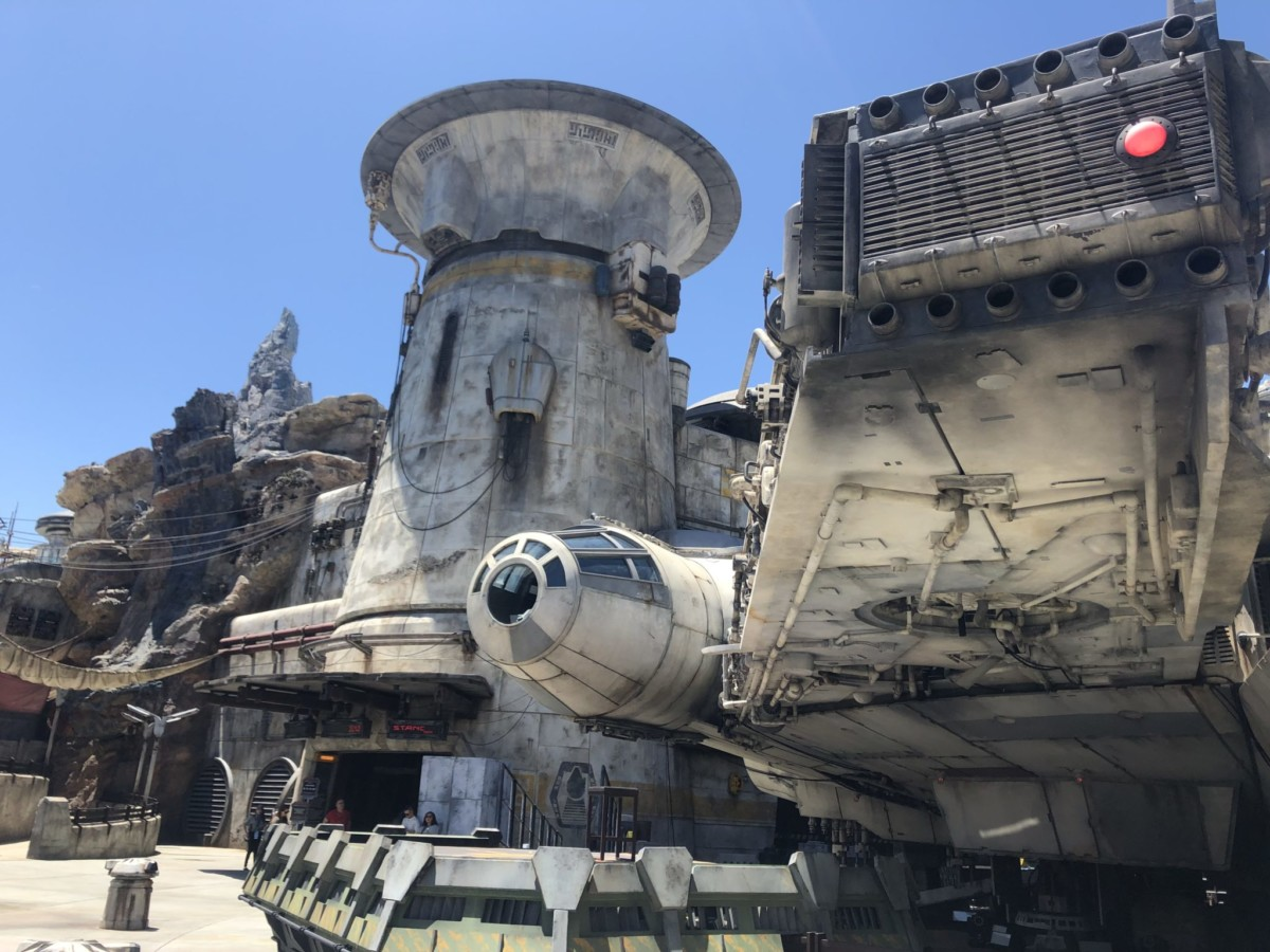 Cast Members Will Get a Look at Galaxy's Edge Starting August 1st! #galaxysedge 8