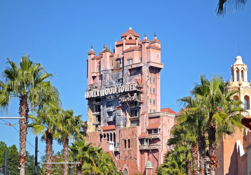 Cast Member Punched In Face Because Guests Didn't Have FastPass For Tower of Terror 2