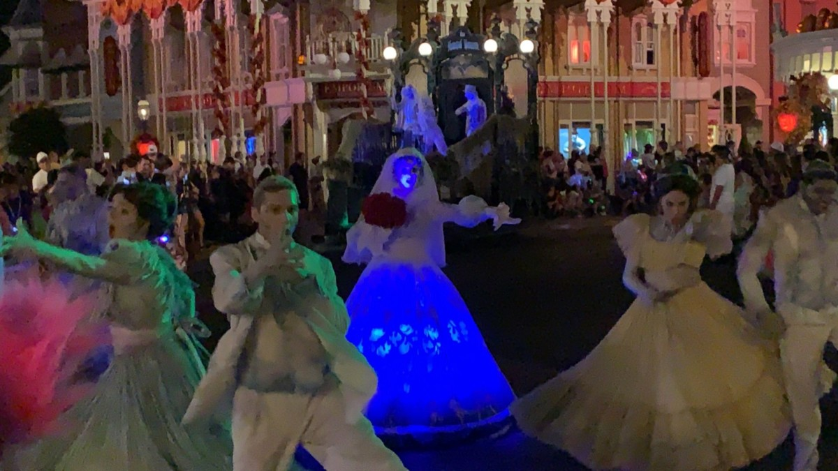 Constance Hatchaway makes her Boo to You Debut! #Notsoscary #letsboothis 2