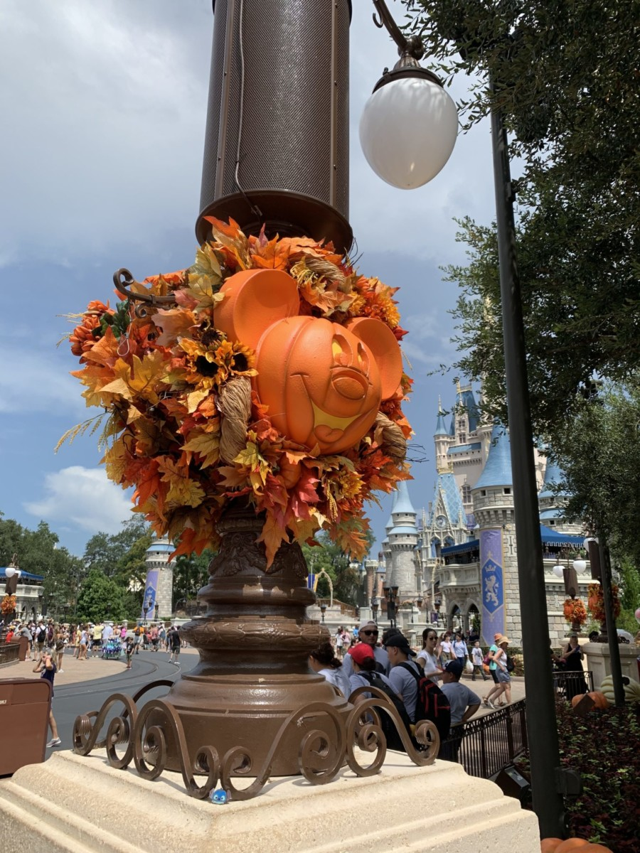 Halloween Decorations at Magic Kingdom! Boo to You! 8