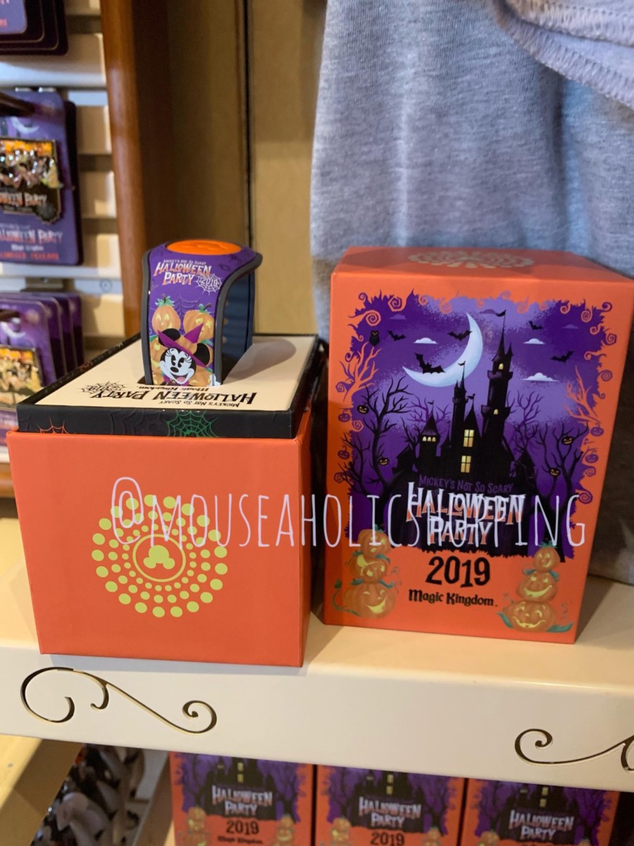 Mickey's Not So Scary Halloween Party Merchandise Overview With Steven Miller! #notsoscary 4