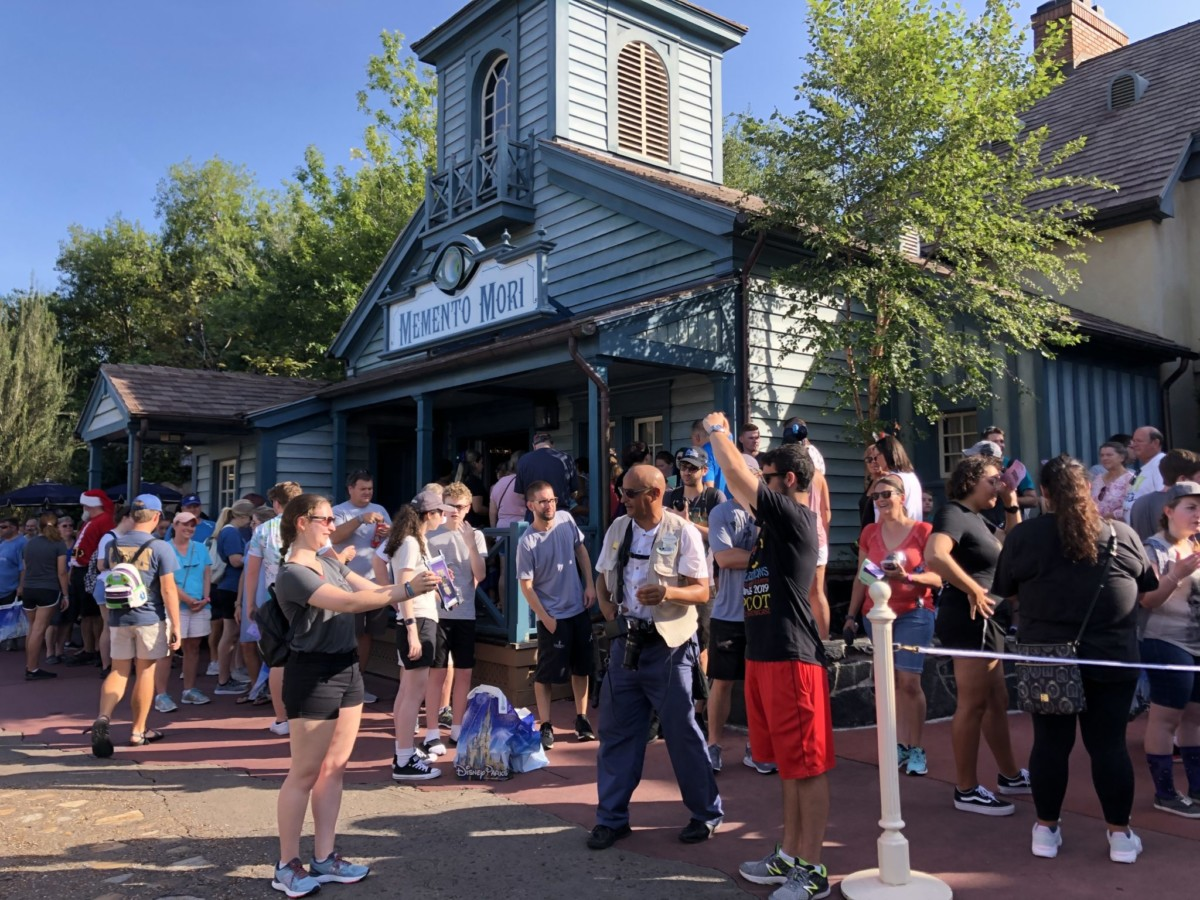 Celebrate the Haunted Mansion at Magic Kingdom! Pics from this Morning! 5