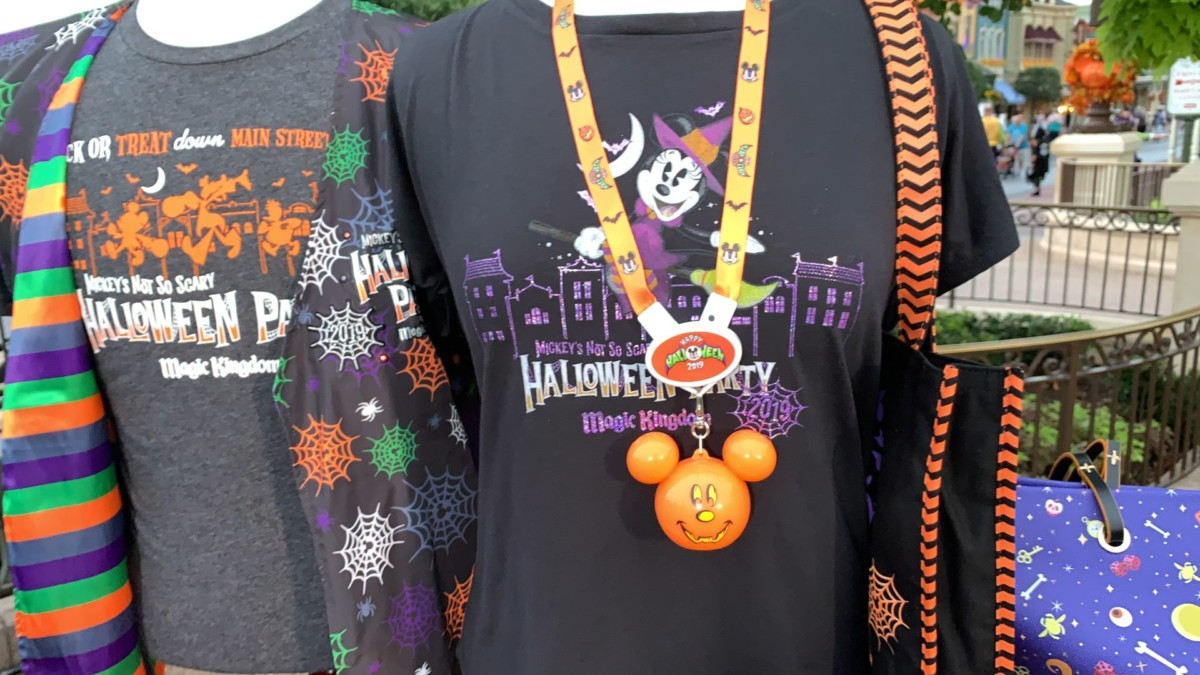 Mickey's Not So Scary Halloween Party Merchandise Overview With Steven Miller! #notsoscary 3