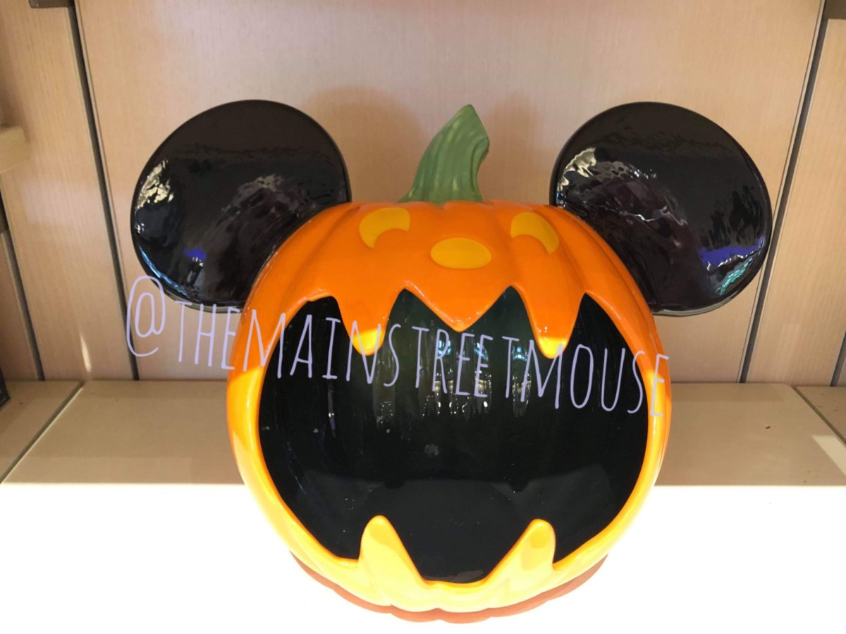 NEW Halloween Merch at Walt Disney World! Boo to You! 6