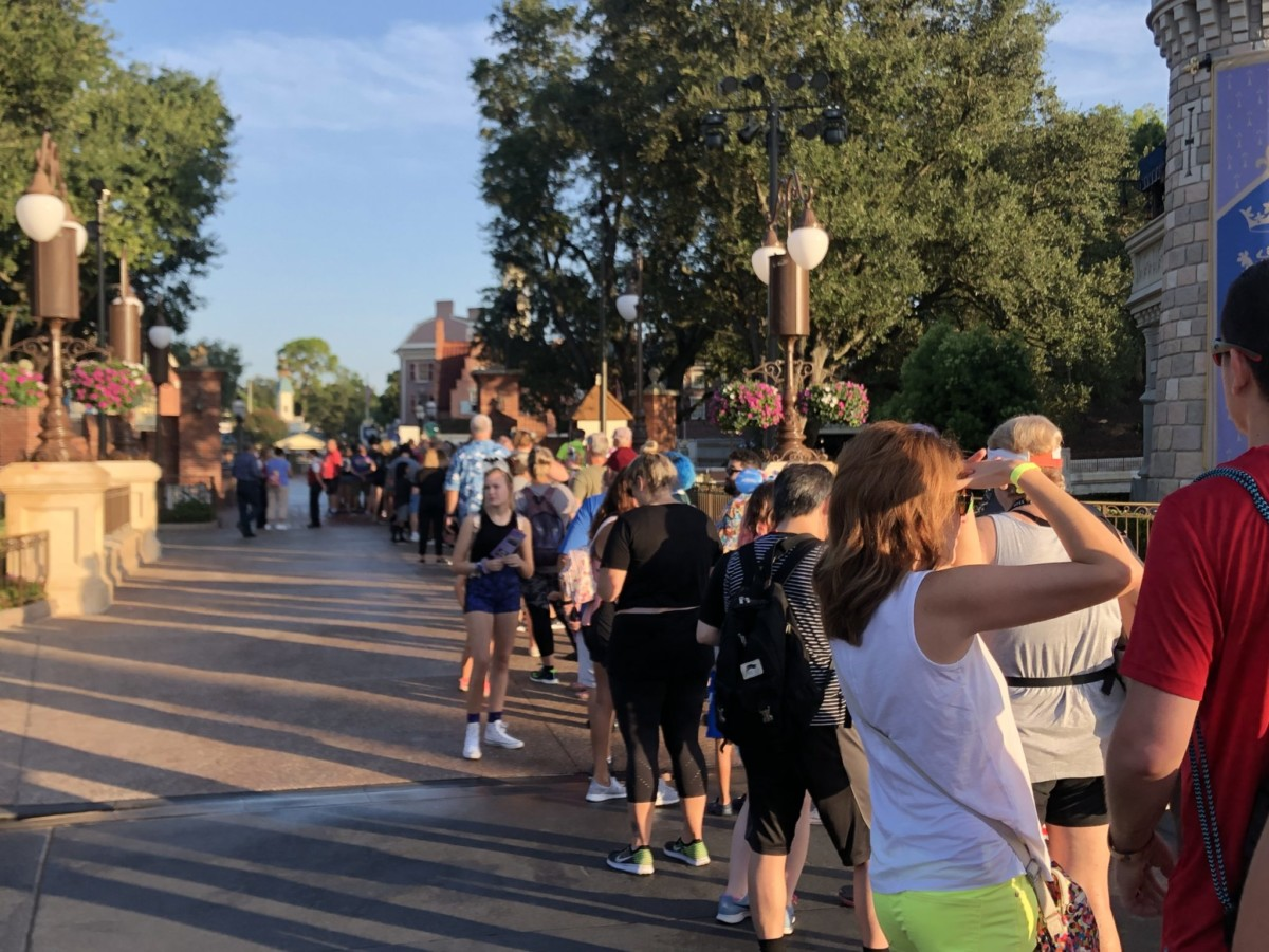 Celebrate the Haunted Mansion at Magic Kingdom! Pics from this Morning! 6