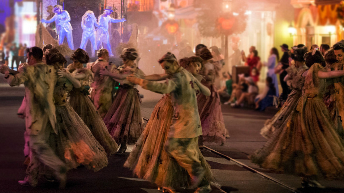 Top 5 Things To Do At Mickey's Not-So-Scary Halloween Party 1