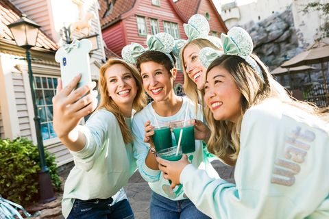 Disney's 'Frozen'-Inspired Arendelle Aqua Color Collection Is Coming To ALL Disney Parks 3