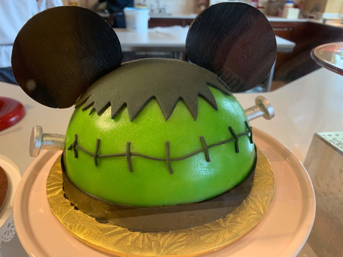 Halloween Treats at Amorette's Patisserie #DisneySprings 6