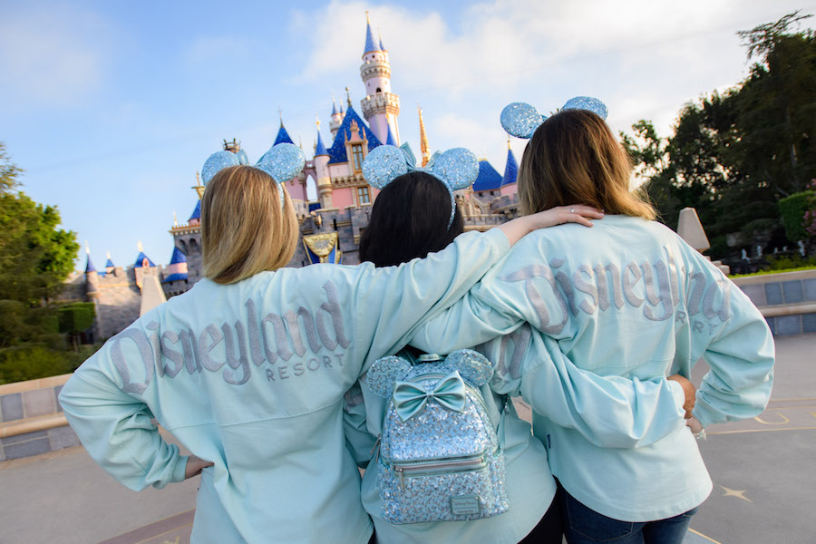 'Frozen'-Inspired Color Collection, Arendelle Aqua Debuts Around the World at Disney Parks and Online at shopDisney 4