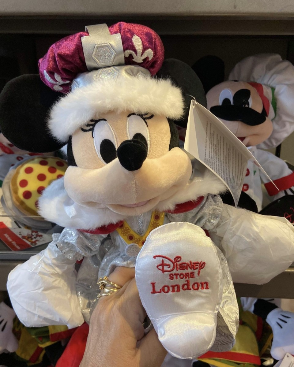 New Plush Themed for the Countries at World Showcase! #Epcot 6