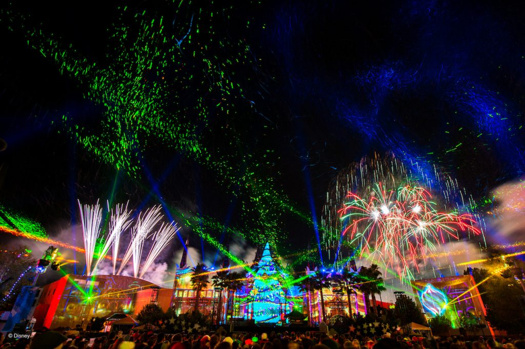 Annual Passholders Enjoy Special Holiday Offerings at Walt Disney World Resort 1