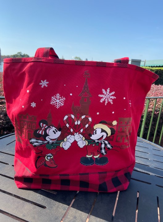 NEW Disney Christmas Purchase With Purchase Tote! #DisneyHolidays 17