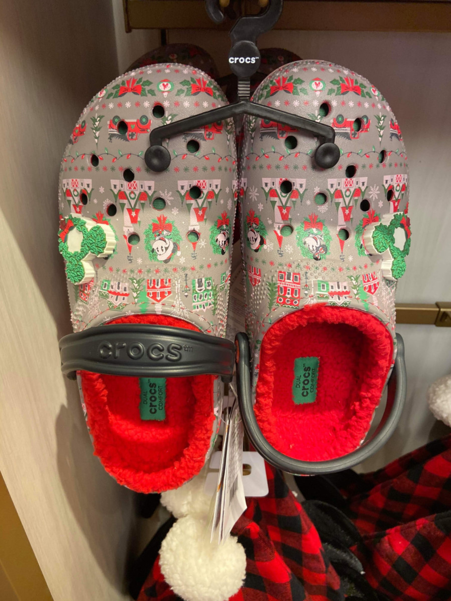 Disney Christmas Crocs? Oh Yes! #DisneyHolidays 2