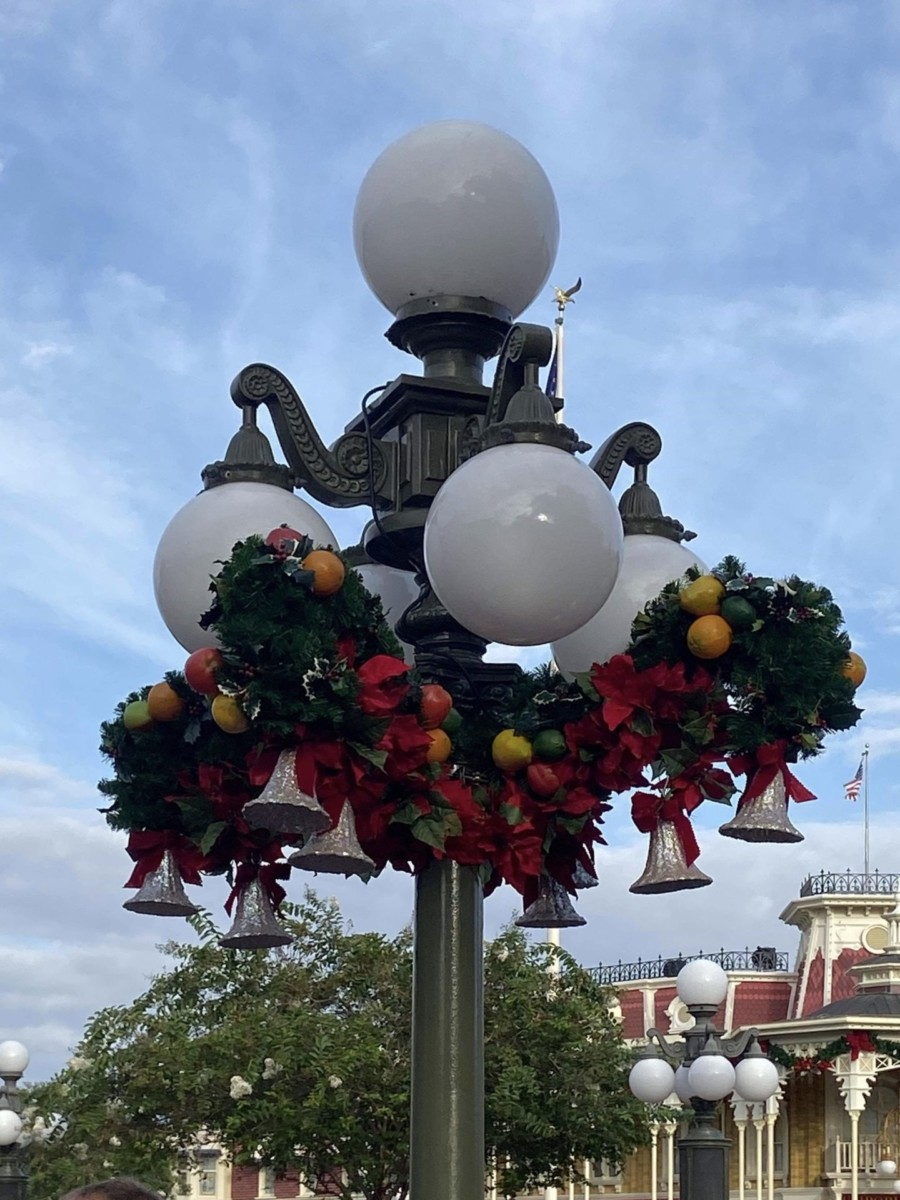 Christmas is Here at Disney's Magic Kingdom! #disneyholidays 3