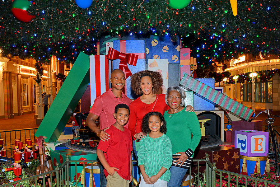 Capturing Memories During Mickey's Very Merry Christmas Party 3