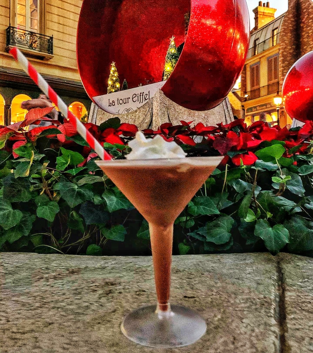 Frozen Hot Chocolate Martini (and more) at the Epcot International Festival of the Holidays! #epcotholidays 9