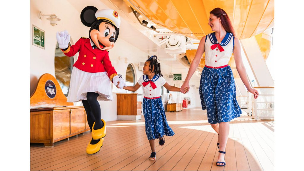 Sail Away Minnie Collection Debuts on Disney Cruise Line 36
