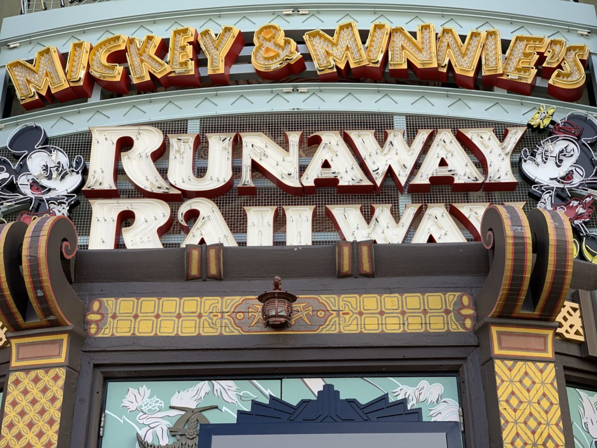 #DisneyCastLife: First Impressions of Mickey & Minnie's Runaway Railway 3