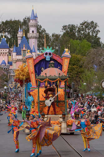 'Magic Happens' Parade Premieres Today at Disneyland Park 5