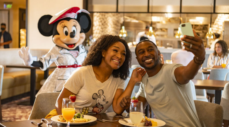 New Health and Safety Measures, Technology at Walt Disney World Resort Theme Park Dining Locations 3