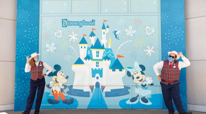 For Cast, By Cast – New Face Coverings Roll Out Across Domestic Disney Parks 11